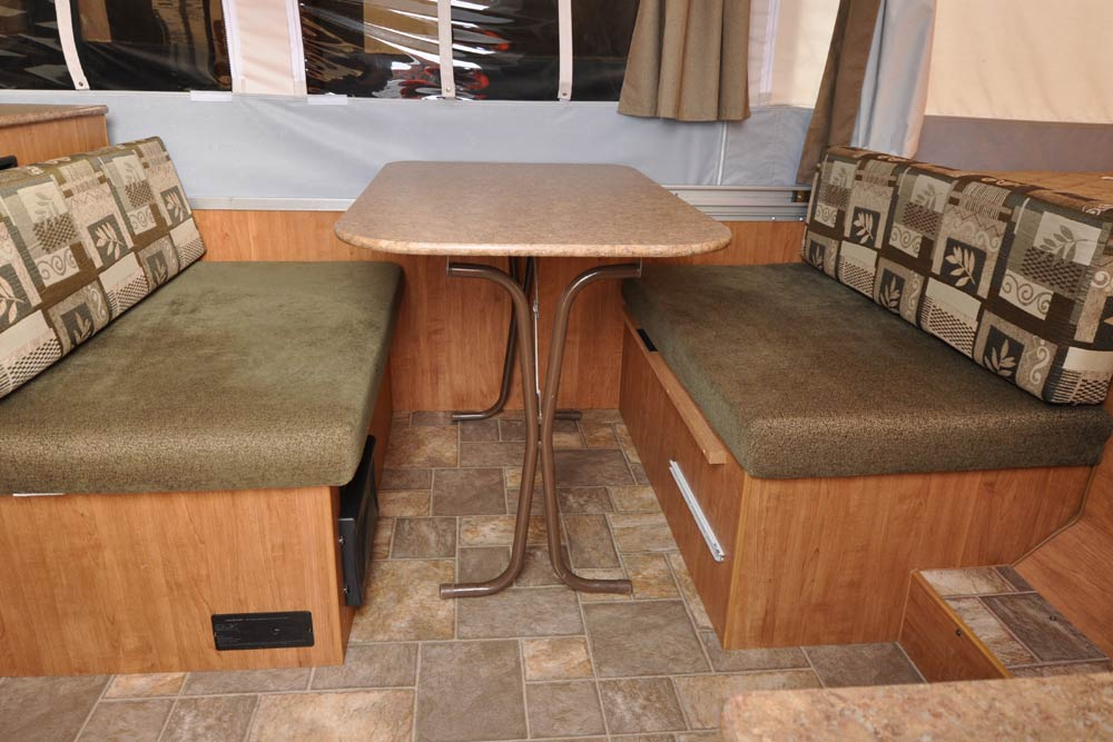 not all dinettes are created equal roberts sales denver colorado rh robertssales com rv dinette table legs rv dinette table legs