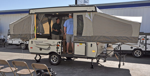 Roberts Sales Pop-Up Trailer 101